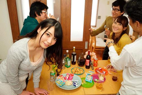 【天野美優】同窓会で学生時代ずっとオカズにしてた同級生と再会し、誘われ生ハメSEX!1