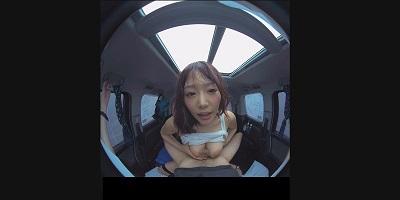 【VR】VR真夏の炎天下の狭い車内で汗だくになって肉食系カーセックスしまくりました 浜崎真緒2