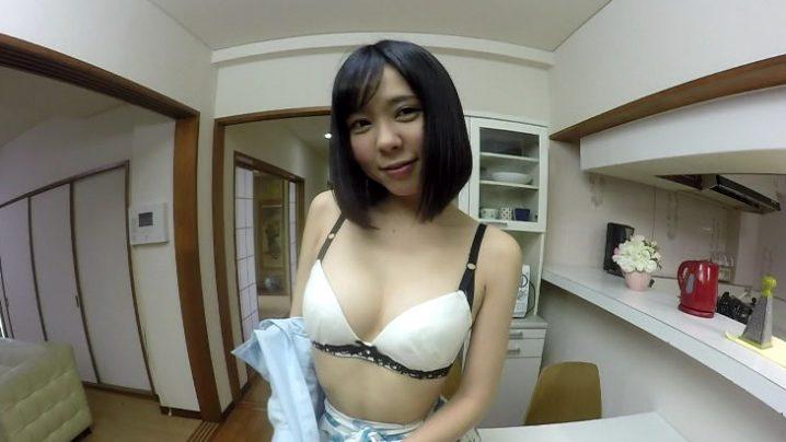 ダイニングテーブルの上の情事 美乳人妻の童貞卒業レクチャー-成瀬まりか1